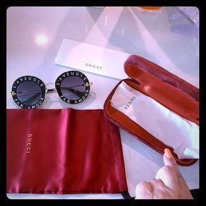 Sunglasses, Gucci with box, l'aveugle par amour